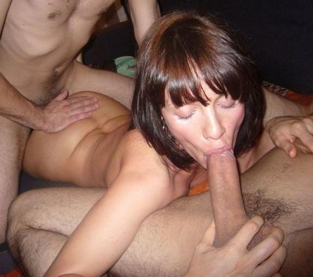 Тёлки наслаждаются членами различных мужин