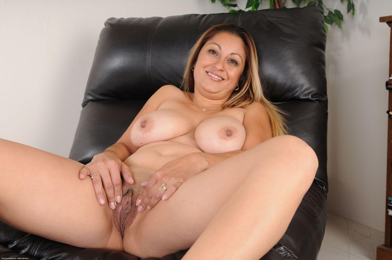 Пухлая венесуэльская тетка в чулочках
