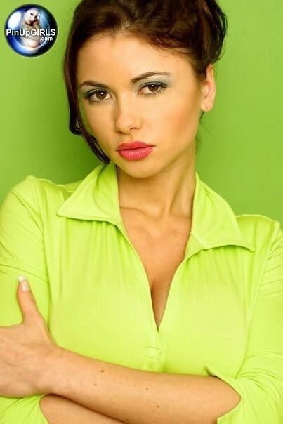 Вероника Земанова сняла яркую одежду